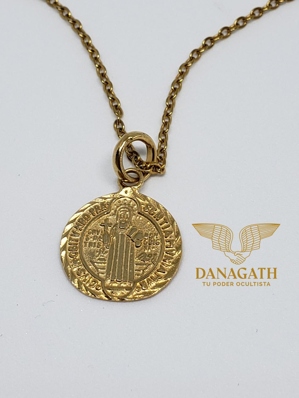 Medalla De San Benito Con Cadena Dorada